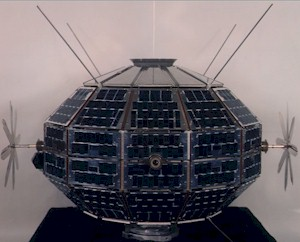 File:Alouette-ISIS Satellite.jpg