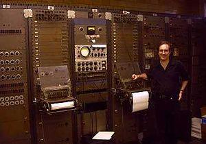 music synthesizer | Britannica.com