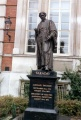 Faraday Statue London IEE 1463.jpg