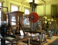 Electrostatic Devices and processes Electrostatic generator Teylers Museum.jpg